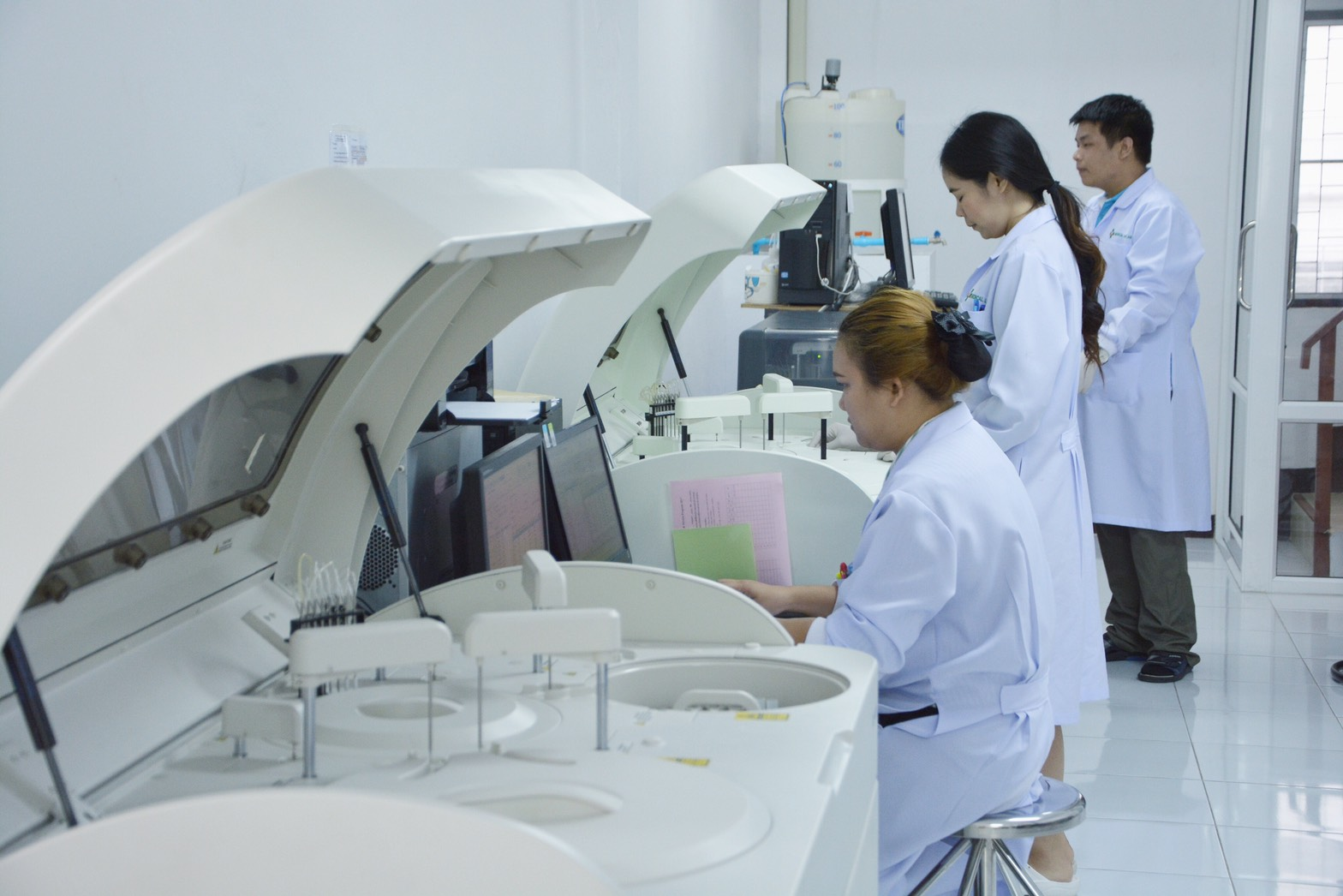 ห้องปฏิบัติการทางการแพทย์ medical line lab